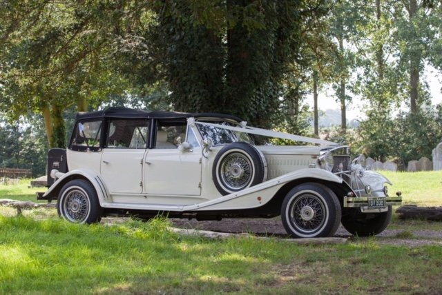 1930s Style Open Top Beauford Tourer Lux Wedding Car Hire